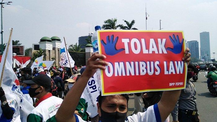 Ilustrasi Tolak Omnibus Law