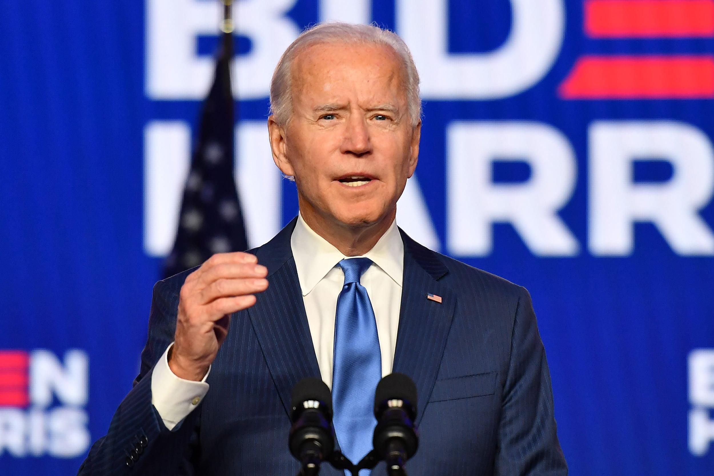 Presiden terpilih Amerika Serikat (AS) Joe Biden mengunci kemenangan atas rivalnya yang seorang petahana, Donald Trump. Ucapan selamat mengalir dari para kepala negara, tak terkecuali dari Joko Widodo (Jokowi) sebagai Presiden Republik Indonesia (RI)