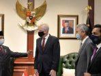 Plt. Menhan AS temui Menhan RI Prabowo