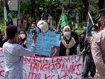HMI geruduk Balai Kota DKI Jakarta