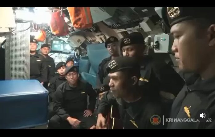 Tangkapan layar awak kapal selam KRI Nanggala