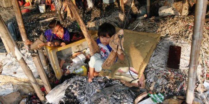 Ilustrasi Kemiskinan Penduduk Karawang